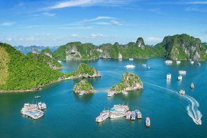 Halong-Bay-Quang-Ninh-Travel-Vietnam.jpg
