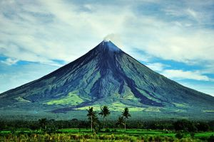 Mayon-Volcano-Albay-Philippines-001.jpg