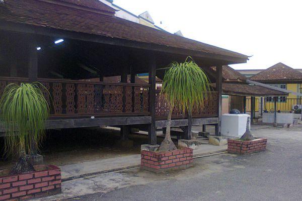 Kampung Laut Mosque