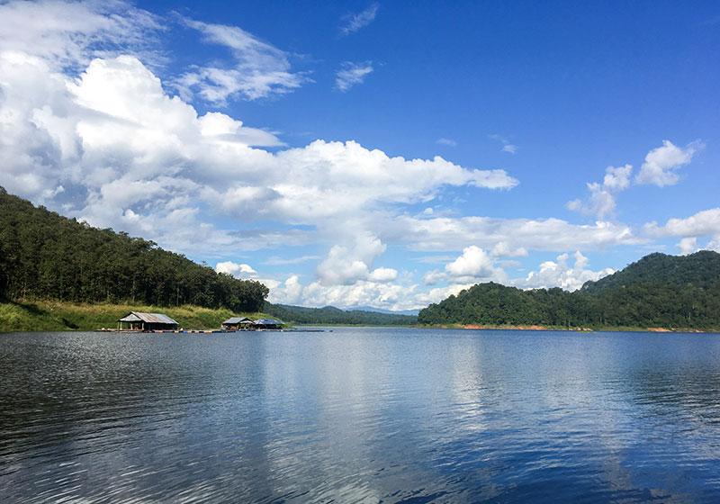 Mae Ngat Dam & Reservoir