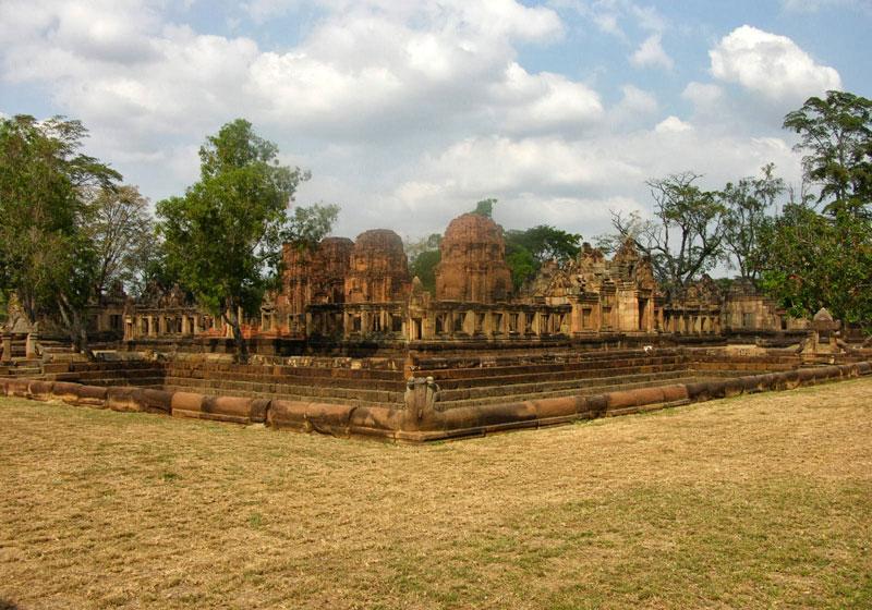 Mueang-Tam-Stone-Sanctuary-Buriram-Thailand-004.jpg