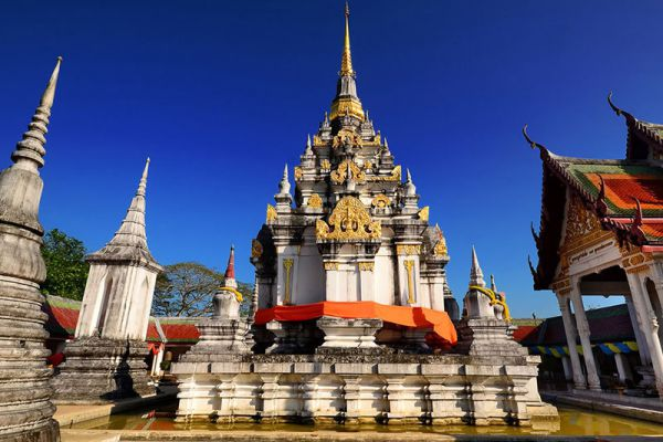 Phra Boromathat Chaiya