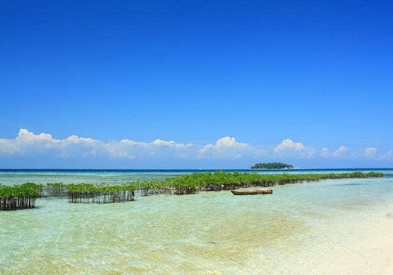 Pramuka-Island-Jakarta-Indonesia-004.jpg