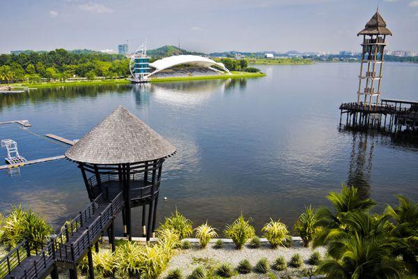 Putra Lake Wetland