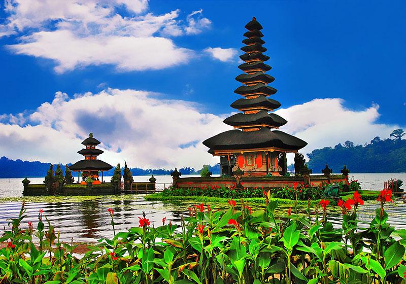 Ulun-Danu-Bratan-Temple-Bali-Indonesia-003.jpg