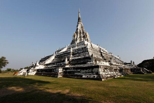 Wat Phu Khao Thong