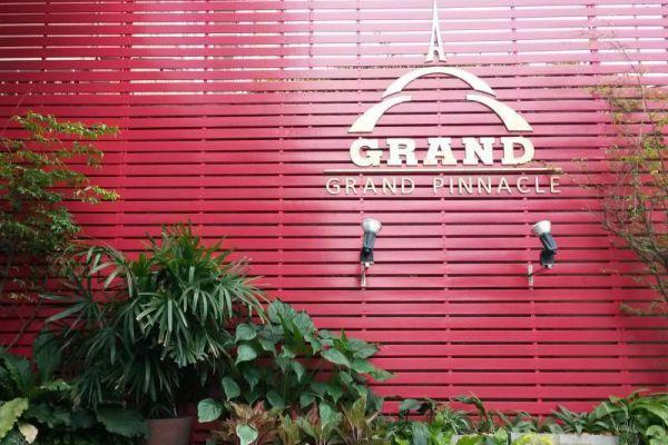 Grand Pinnacle Hotel