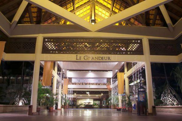 Le Grandeur Palm Resort