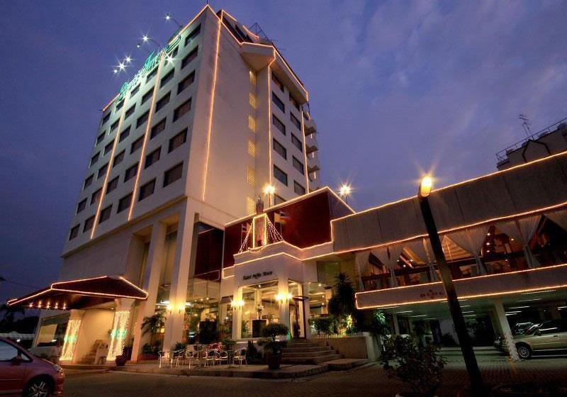 Louis' Tavern Hotel Bangkok