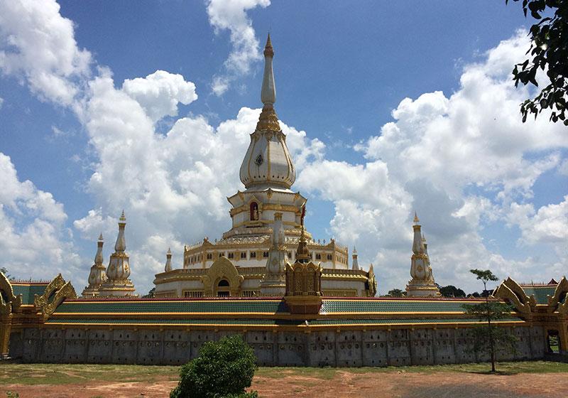 Pha-Nam-Yoi-Forest-Park-Roi-Et-Thailand-02.jpg