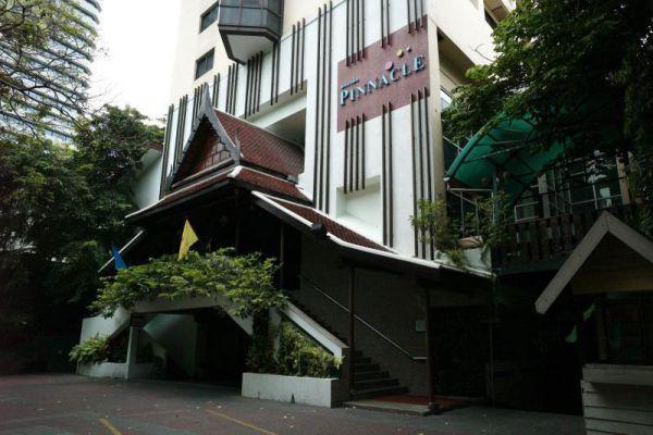 Pinnacle Lumpinee Hotel & Spa