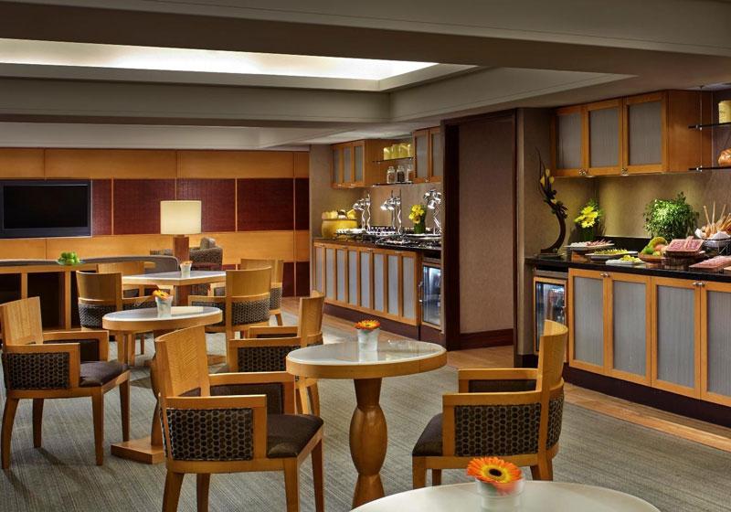 Swissotel Stamford Hotel
