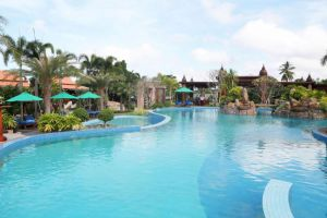 Try Palace Resort & Spa