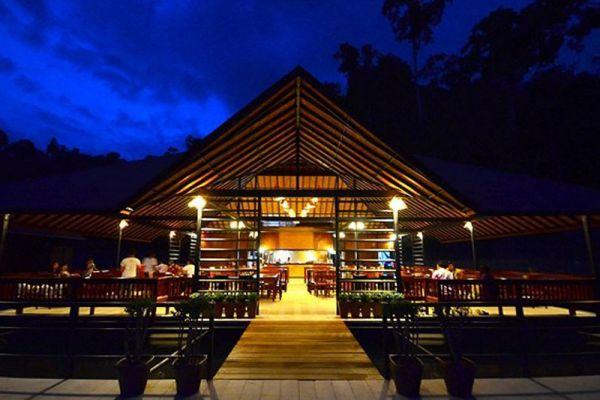 500 Rai Floating Rafthouse Resort