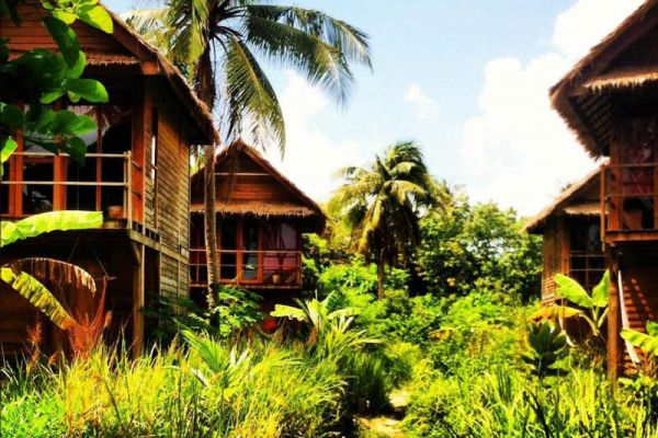 Castaway Beach Resort Lipe