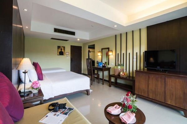 Emerald Beach Resort & Spa Khaolak