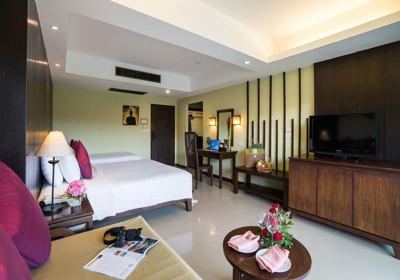 Emerald Beach Resort & Spa Khaolak