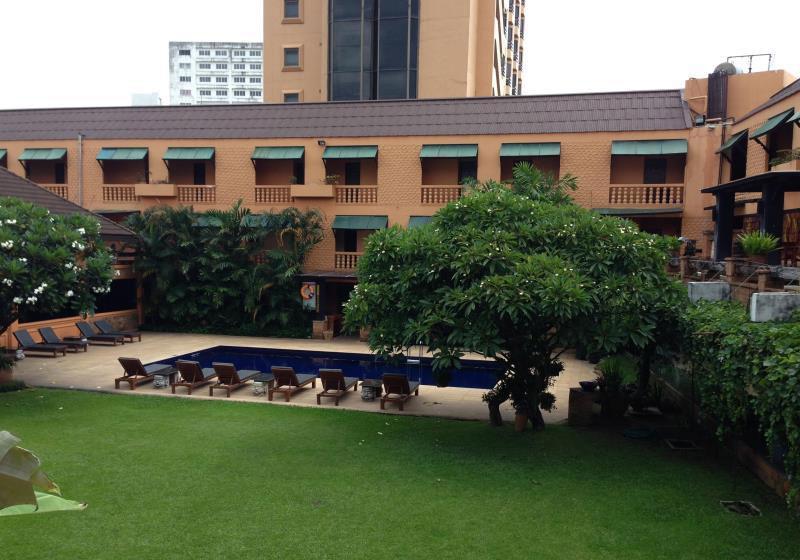 Holiday Garden Hotel & Resort Chiang Mai