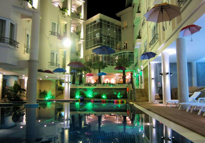 Holiday-Villa-Nataya-Sihanoukville-Cambodia-Pool.jpg