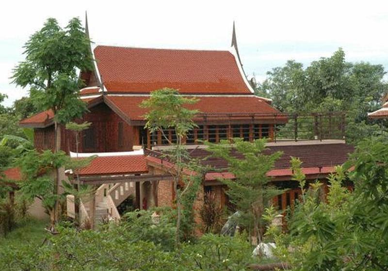 Momchailai River Retreat Nakhon Pathom