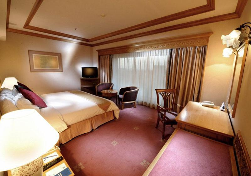 Riverside Majestic Hotel Kuching