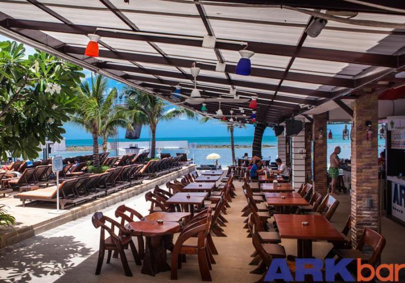 Ark Bar Beach Resort Samui