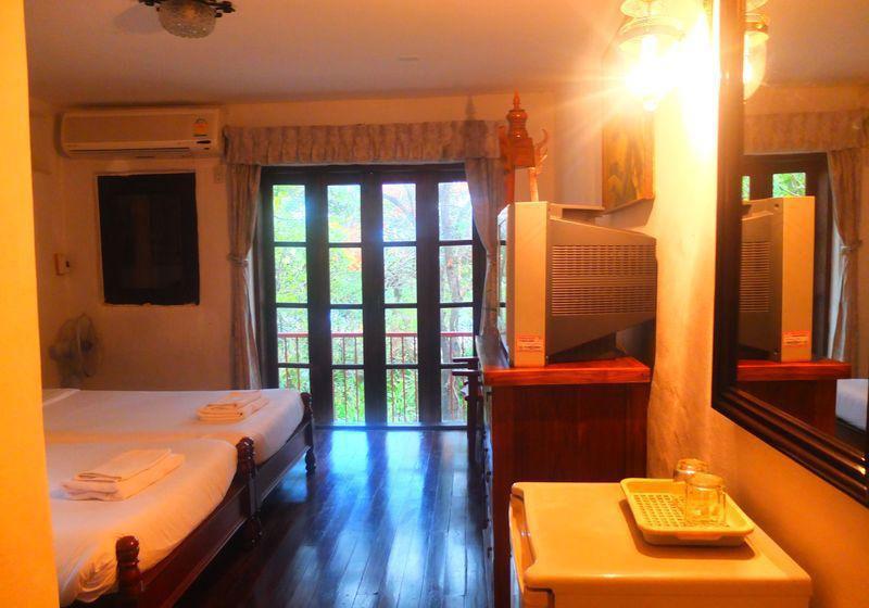 Mom Chailai Retreat Pattaya