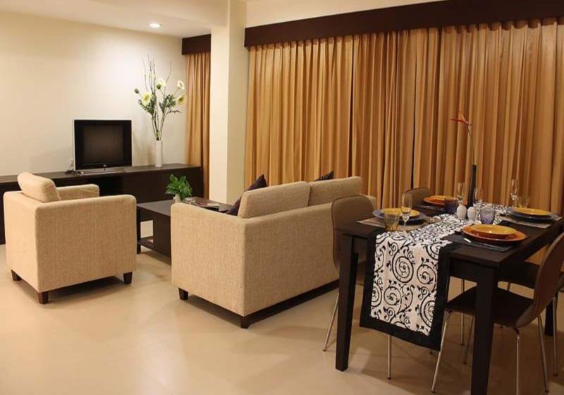 Pinewood Residence Hotel Pattaya