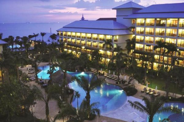 Ravindra Beach Resort & Spa Pattaya