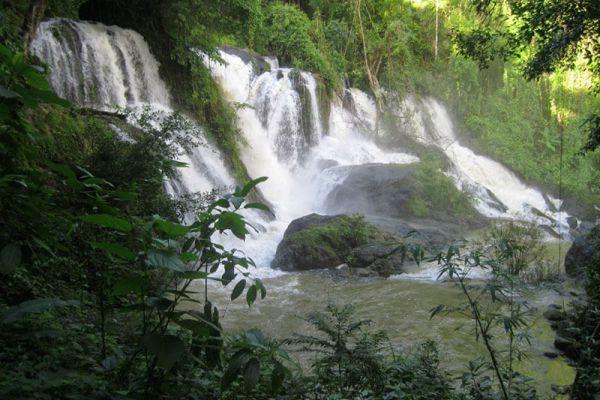 Tham Pla - Pha Suea National Park Mae Hong Son