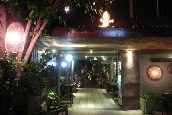 Baan Rabiang Nam Restaurant