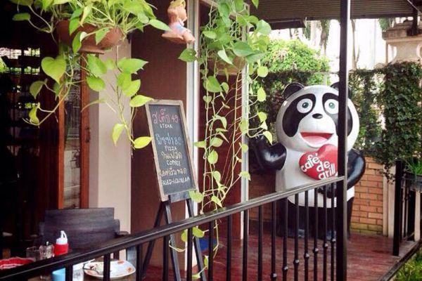 Cafe' de Grill Restaurant