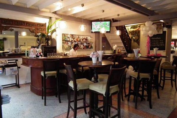 Cool Breeze Cafe Bar