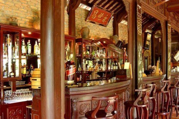 Fullmoon Town Restaurant & Bar