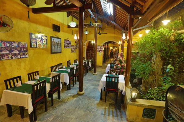 Green Chili Restaurant & Bar