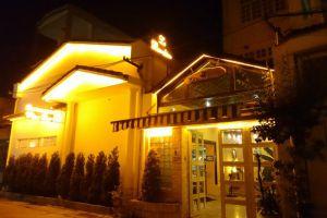 Le Bambino Wine & Restaurant