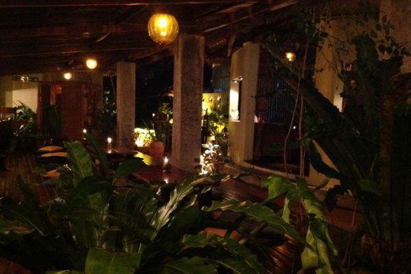 Luna Lounge Restaurant