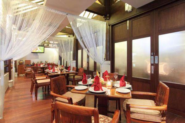 Queens Tandoor Seminyak Restaurant