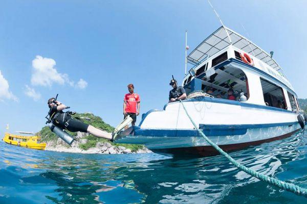 Coral Grand Divers