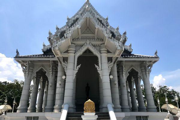 Wat Kaew Korawaram Temple