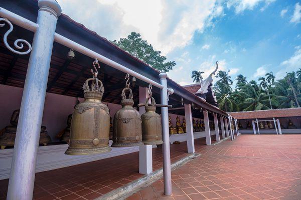 Wat Phra Borommathat Sawi