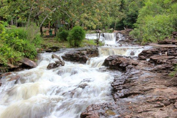 Kham Hom Waterfall