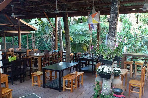 Pha Khao Lao Restaurant