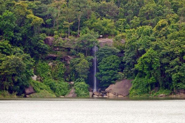 Kham Nam Sang Waterfall