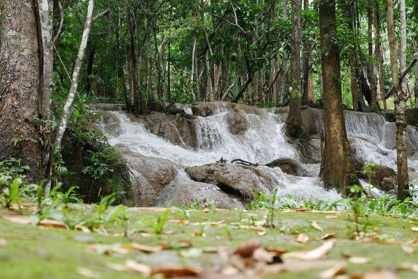 Pha Tad Waterfall