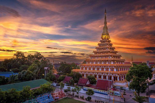 Phra Mahathat Kaen Nakhon