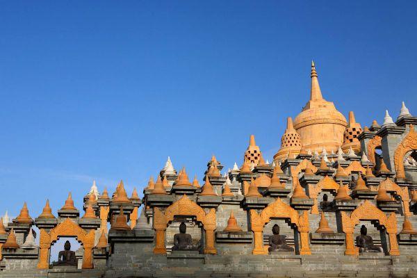 Sandstone Pagoda (Wat Pa Kung)