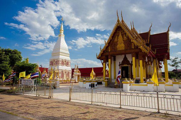 Wat Phrathat Renu