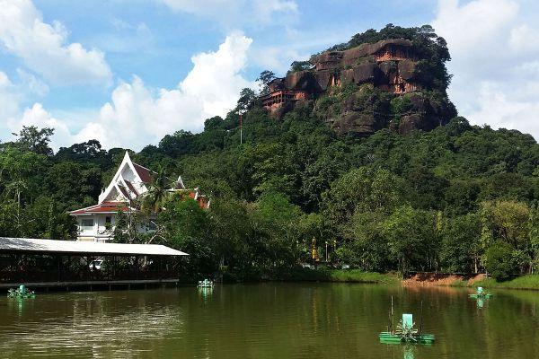 Wat Phu Tok