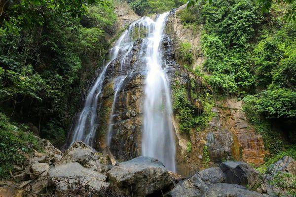 Chaloem Phra Kiat Ro Kao Waterfall